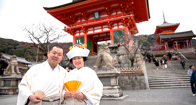 京都で神社仏閣結婚式のすすめ